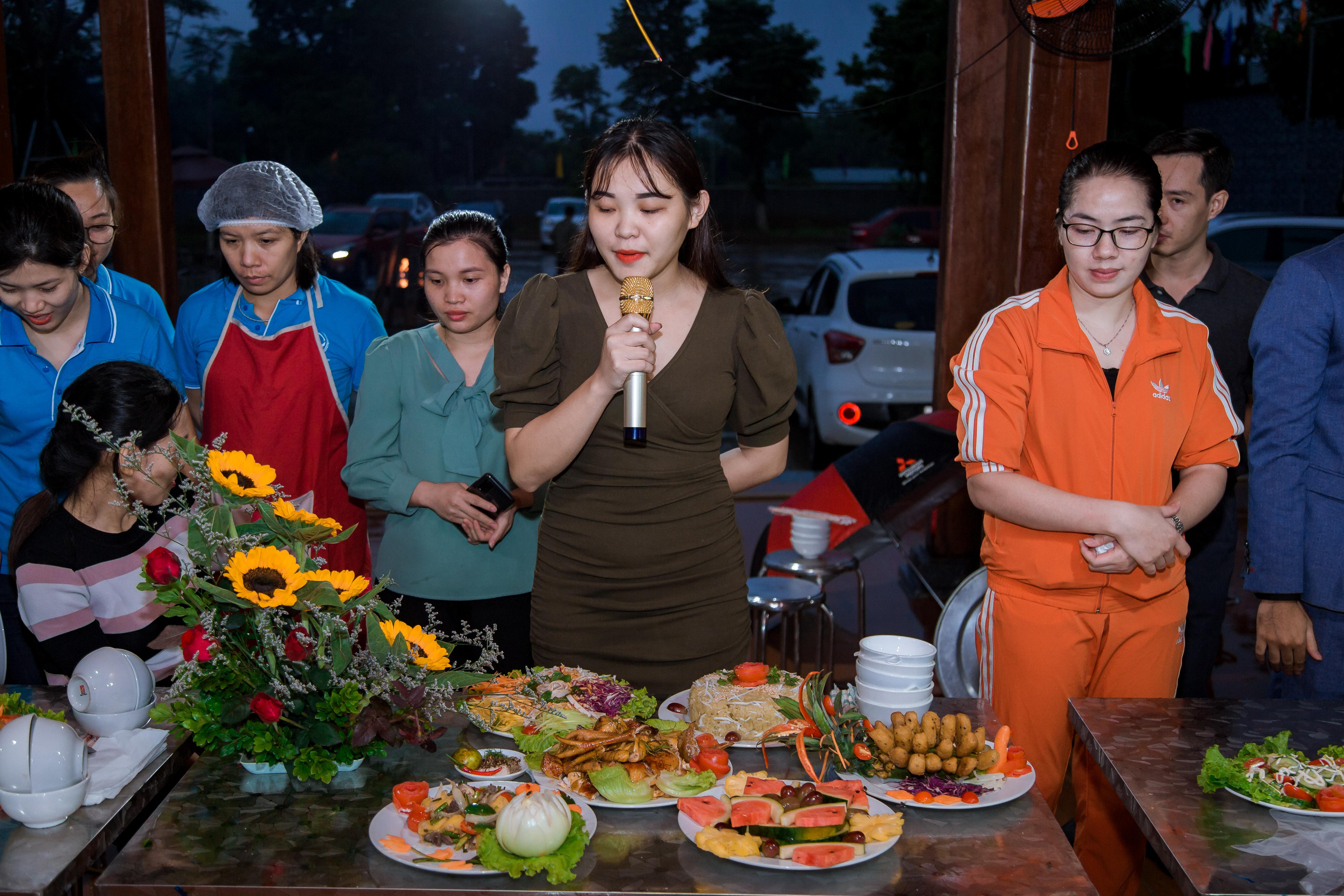 Tạp chí Kinh tế và Đồ uống và Trường Cao đẳng Công nghệ Y dược Việt Nam: Kỷ niệm Ngày Phụ nữ Việt Nam 20/10 - Ảnh 2