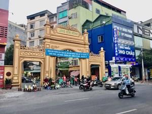 Phố phường Hà Nội tấp nập trong ngày nới lỏng giãn cách xã hội