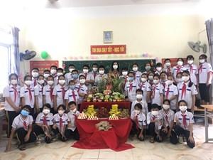 Hải Phòng: Vui Tết Trung thu, đảm bảo phòng chống dịch Covid -19 với các bạn nhỏ trường THCS Hồng Phong