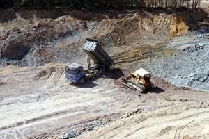 Thừa Thiên Huế: Đề xuất xử lý doanh nghiệp vi phạm khai thác mỏ đất