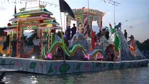 50 tàu thuyền diễu hành trên sông mừng Đại lễ Phật giáo Hòa Hảo