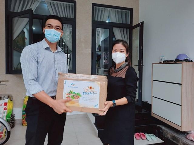 Tập đoàn Thắng Lợi tặng hơn 2.000 thùng quà đến khách hàng trong mùa dịch - Ảnh 2