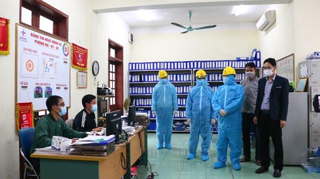 Lãnh đạo PC Hải Dương thăm và kiểm tra điều kiện làm việc tạiĐiện lực Chí Linh
