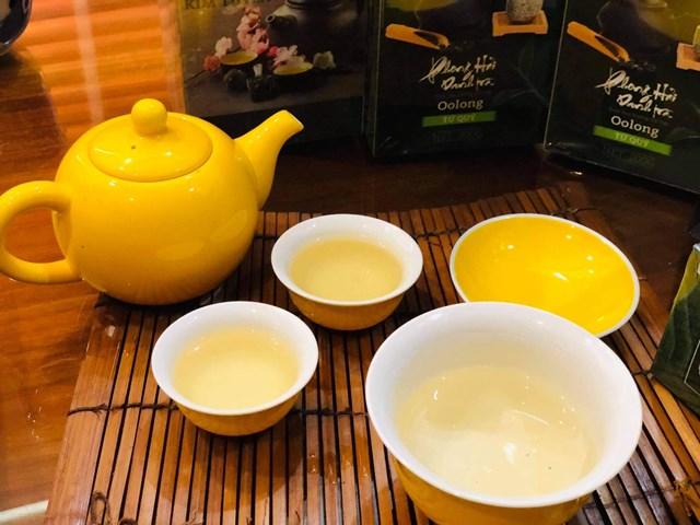 Với quá trình bán lên men đặc biệt, trà Oolong Tứ Quý được xem như thức uống mang lại rất nhiều lợi ích về mặt sức khỏe cho con người.