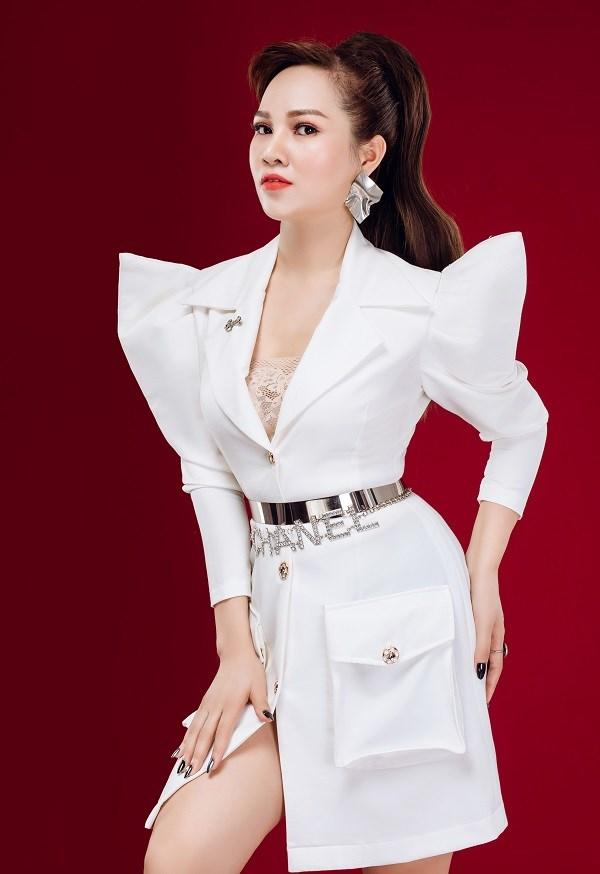 Theo Trịnh Thị Lan, phụ nữ là phải biết yêu và làm đẹp chính mình