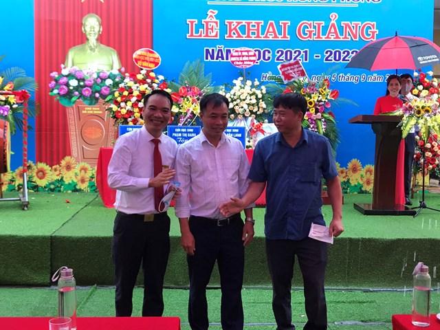 Hội cha mẹ học sinh chúc mừng ngày khai trường