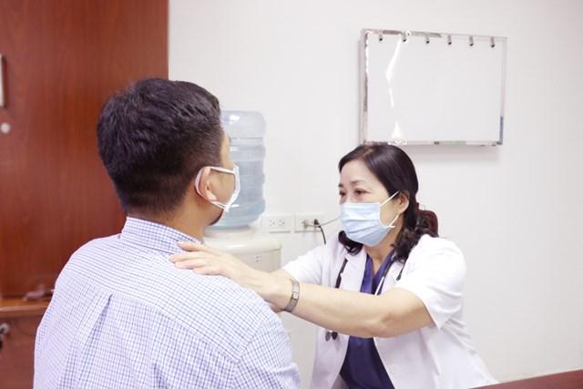 Chia sẻ gánh nặng ung thư trong đại dịch Covid-19 - Ảnh 1