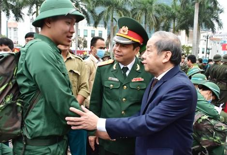 Những năm qua, công tác tuyển quân ở thành phố Huế luôn được thực hiện tốt, hằng năm đều hoàn thành và vượt trên 100% chỉ tiêu giao quân.