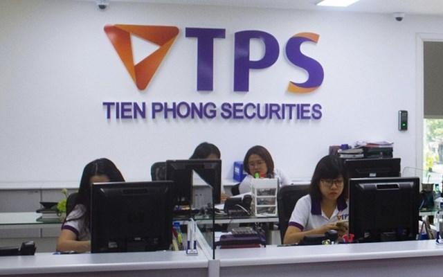 Chứng khoán Tiên Phong chào bán 100 triệu cổ phiếu - Ảnh 1