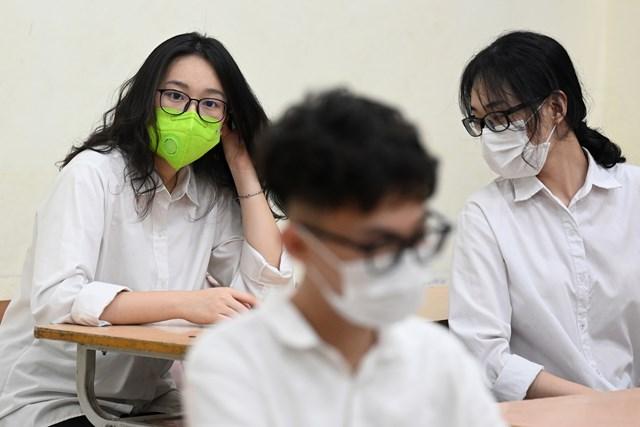 Sở GD&ĐT Hà Nội yêu cầu học sinh lớp 9 và lớp 12 không ra khỏi thành phố cho đến khi hoàn thành các kỳ thi và tuyển sinh. Ảnh minh họa