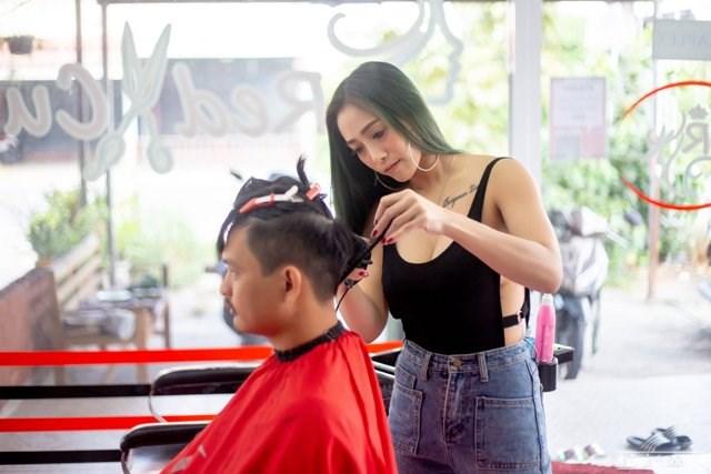 Dịch vụ cắt tóc, gội đầu, quán ăn ở Hà Nội được mở lại từ 0h ngày 22/6 - Ảnh minh họa (Nguồn: IT)