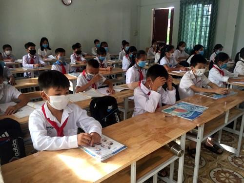 Học sinh Hà Tĩnh được trở lại trường.